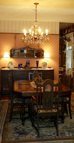 The main dining room at Dreams of Yesteryear Bed and Breakfast